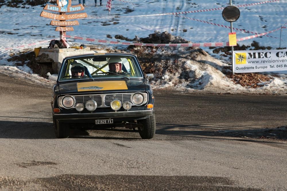 Leonardo Fabbri e Sonia Cipriani, sulla Volvo 144 S